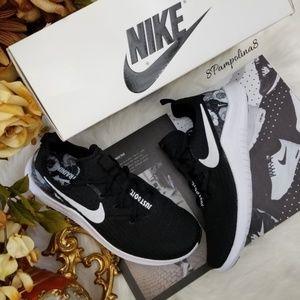 Nike Women's Free TR 8 AMP
